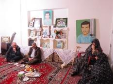 دیدار مهندس یوسفعلی جوانی با خانواده شهیدان والا مقام لطفیان